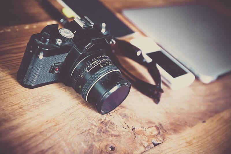 Kamera auf dem Tisch